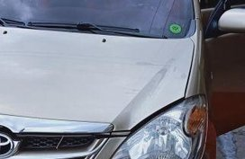 Selling Toyota Avanza 2009 at 123000 km in Angeles