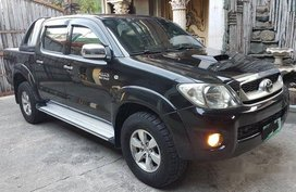 Selling Black Toyota Hilux 2010 Automatic Diesel in Santa Rita