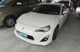 White Toyota 86 2013 for sale in Makati