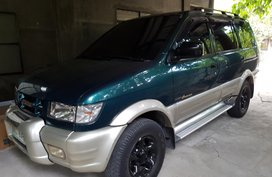 Selling Green Isuzu Crosswind 2004 in Pampanga