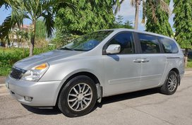 Selling 2nd Hand Kia Carnival 2012 Automatic Diesel in Metro Manila