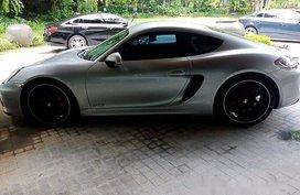 Silver Porsche Cayman 2015 at 50000 km for sale
