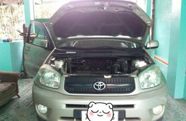 Toyota Rav4 2004 Manual Gasoline for sale in Mandaluyong