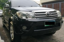 2nd Hand Toyota Fortuner 2010 at 60000 km for sale