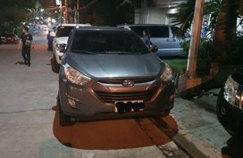 Gray Hyundai Tucson 2010 Automatic Diesel for sale in Quezon City