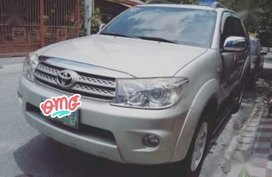 Sell 2nd Hand 2010 Toyota Fortuner at 70000 km in Pasig