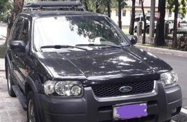 Selling 2nd Hand Ford Escape 2004 in Quezon City