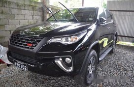 Sell Black 2016 Toyota Fortuner Automatic Diesel at 5800 km