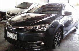Selling Grey Toyota Corolla Altis 2017 in Manila