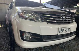 White Toyota Fortuner 2016 Manual Diesel for sale in Quezon City
