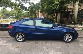 Blue Mercedes-Benz C200 2002 for sale Automatic