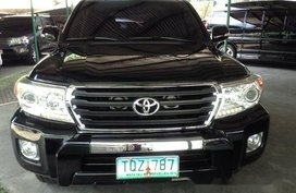 Selling Black Toyota Land Cruiser 2012 in Quezon City