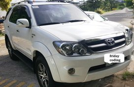 White Toyota Fortuner 2008 at 70000 km for sale