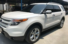 Pearl White Ford Explorer 2014 Automatic Gasoline for sale in Parañaque