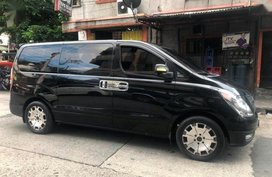 Selling 2nd Hand Hyundai Grand Starex 2010 Manual Diesel at 47000 km in Manila