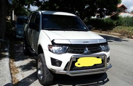 Selling Mitsubishi Strada 2014 Truck in Cavite
