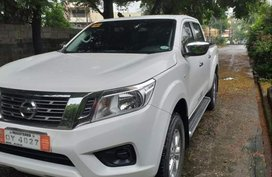 White Nissan Navara 2017 Truck at 50000 km for sale
