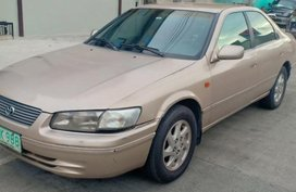 Sell 2nd Hand 2000 Toyota Camry Automatic Gasoline at 100000 km in Quezon City