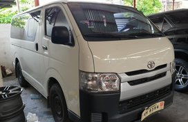 Sell 2nd Hand 2017 Toyota Hiace Manual Diesel at 20000 km in Quezon City