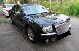 Selling 2nd Hand Chrysler 300C 2005 in Quezon City