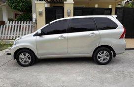Selling Toyota Avanza 2012 Automatic Gasoline in Quezon City