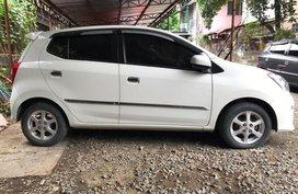 Selling White Toyota Wigo 2017 in Quezon City