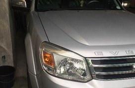 Selling 2nd Hand Ford Everest 2013 at 60000 km in Taguig