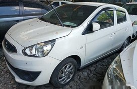 Selling White Mitsubishi Mirage 2016 at 22000 km in Makati