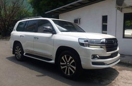 Selling Toyota Land Cruiser 2019 Automatic Diesel in Makati