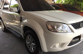 Sell White 2010 Ford Escape Automatic in Angeles