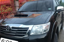 Selling 2nd Hand Toyota Hilux 2014 Truck Automatic Diesel
