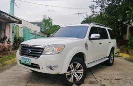 White Ford Everest 2010 at 89000 km for sale