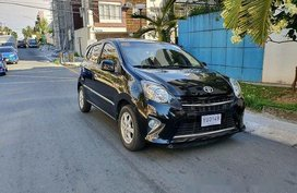 Black Toyota Wigo 2016 at 25000 km for sale