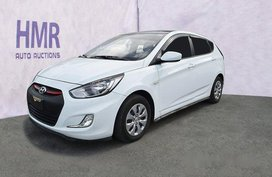 Selling White Hyundai Accent 2017 at 24177 km in Muntinlupa