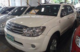 Selling White Toyota Fortuner 2011 at 72342 km in Quezon City