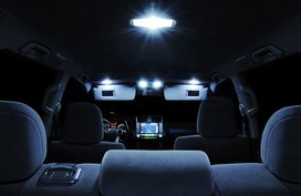 Causes of a malfunctioning car interior light and how to fix it