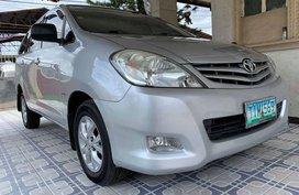 Selling Toyota Innova 2012 at 90000 km