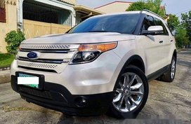White Ford Explorer 2012 at 40000 km for sale