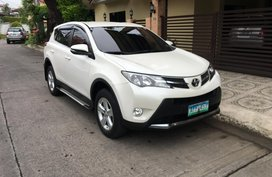 Sell Used 2014 Toyota Rav4 at 32000 km in Metro Manila