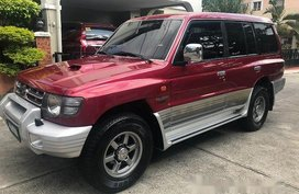 Red Mitsubishi Pajero 2007 at 100000 km for sale