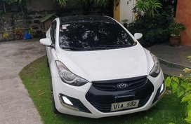 Sell White 2012 Hyundai Elantra at 123000 km
