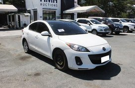 Selling White Mazda 3 2019 Automatic Gasoline at 6174 km in Muntinlupa