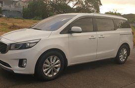 Sell White 2016 Kia Carnival Automatic Diesel