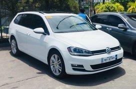 Selling White Volkswagen Golf 2018 Hatchback in Quezon City