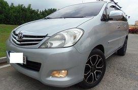 Selling Silver Toyota Innova 2011 at 42000 km in Queozn City