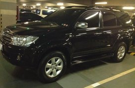 Sell Black 2010 Toyota Fortuner in Manila