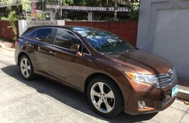 Selling Brown Toyota Venza 2010 in Manila