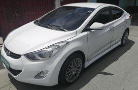 White Hyundai Elantra 2012 Automatic for sale