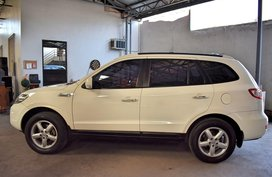 White Hyundai Santa Fe 2010 Automatic Gasoline for sale in Manila