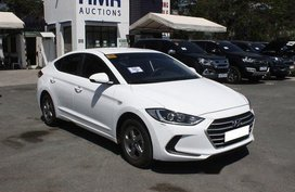 Selling White Hyundai Elantra 2018 Automatic Gasoline in Muntinlupa